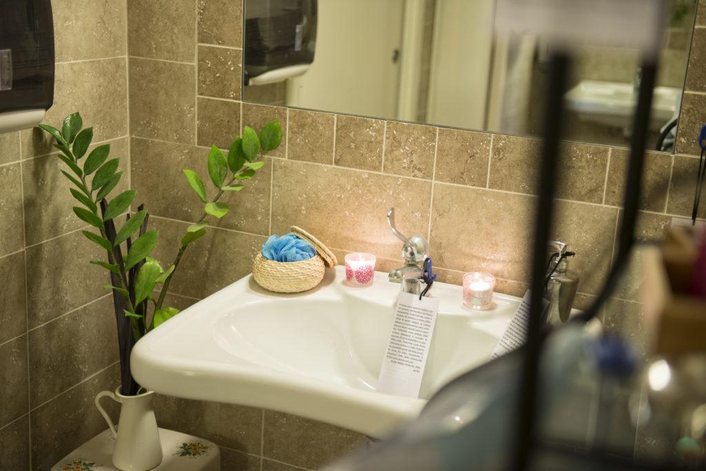 stanza #5 - Bagno, o dei riti di purificazione